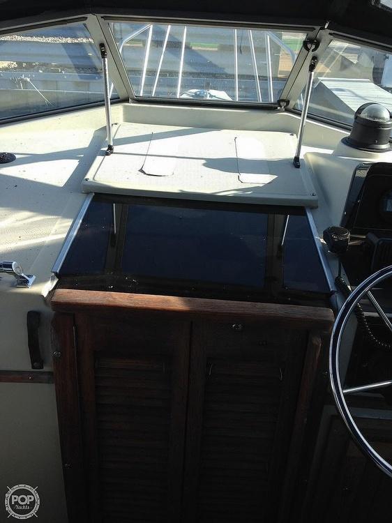 1987 Boston Whaler boat for sale, model of the boat is Revenge 20 W.T. & Image # 12 of 40