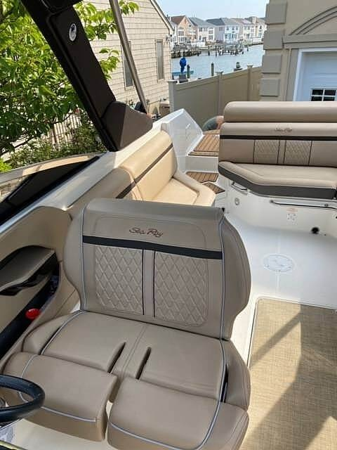 2017 Sea Ray boat for sale, model of the boat is SLX 280 & Image # 9 of 40