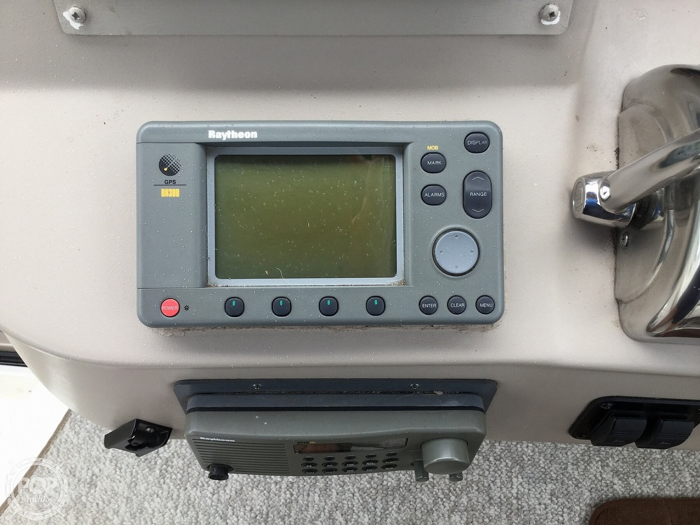 2001 Sea Ray boat for sale, model of the boat is 340 Sundancer & Image # 33 of 40