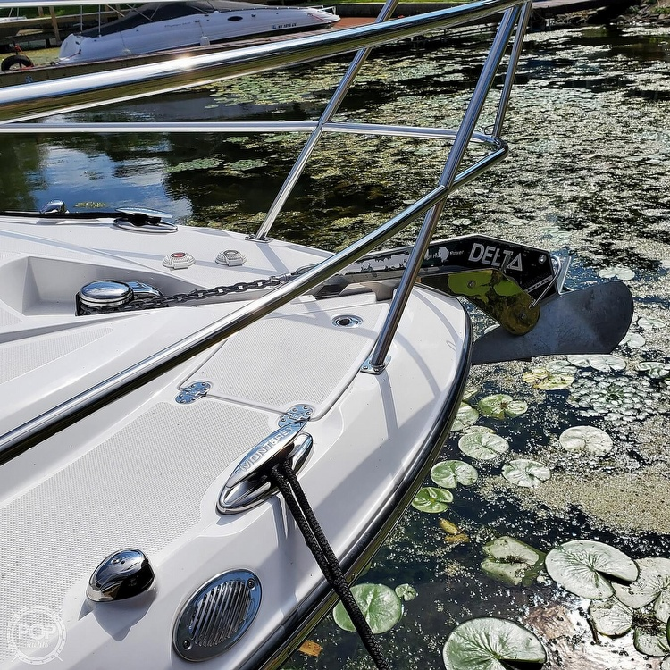2015 Monterey boat for sale, model of the boat is 335 Sport yacht & Image # 8 of 40