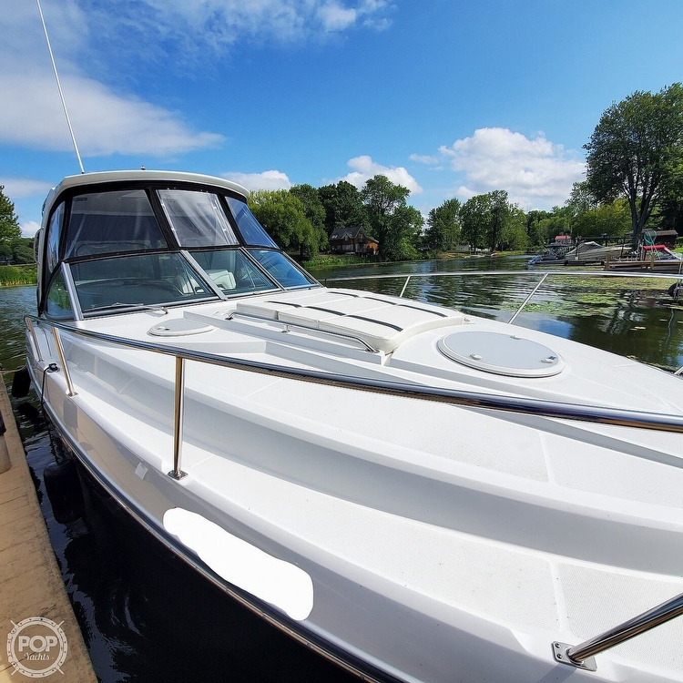 2015 Monterey boat for sale, model of the boat is 335 Sport yacht & Image # 7 of 40