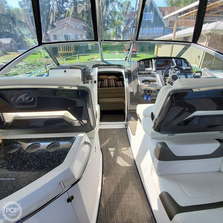 2015 Monterey boat for sale, model of the boat is 335 Sport yacht & Image # 24 of 40