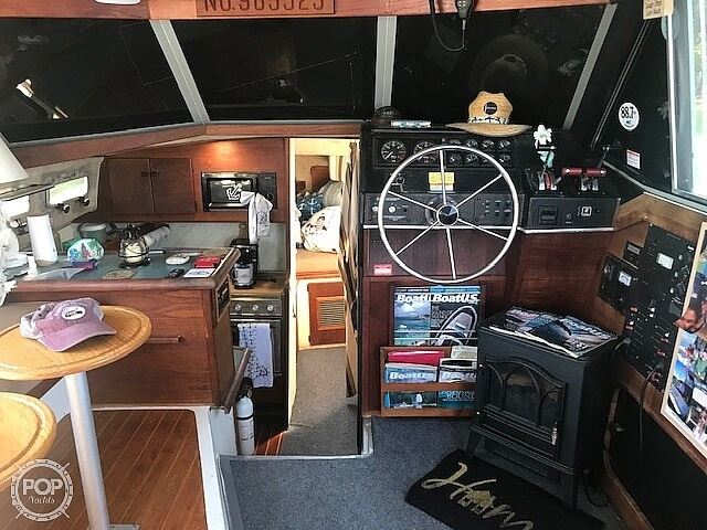 1989 Bayliner boat for sale, model of the boat is 3288 & Image # 22 of 40