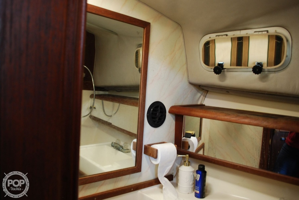 1989 Bayliner boat for sale, model of the boat is 3288 & Image # 29 of 40