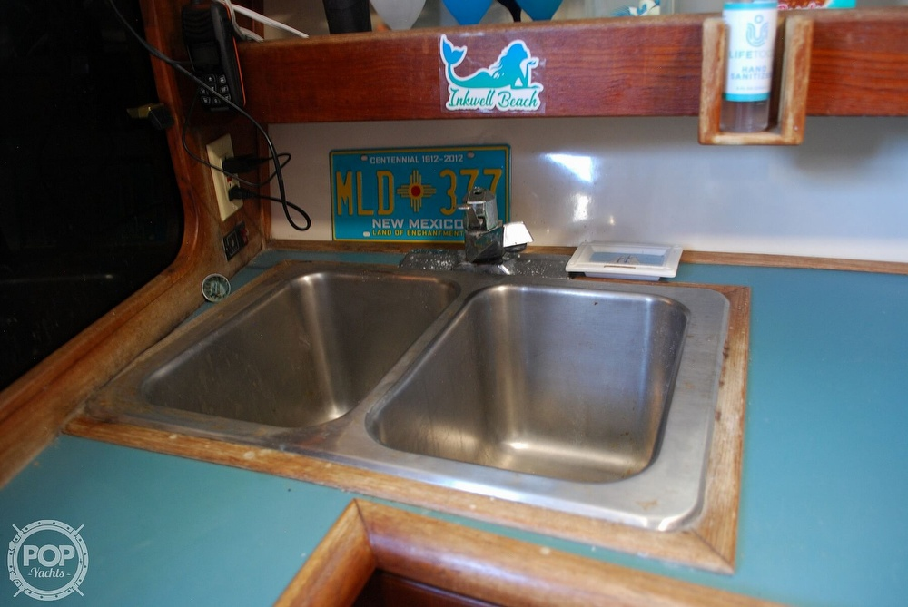 1989 Bayliner boat for sale, model of the boat is 3288 & Image # 34 of 40