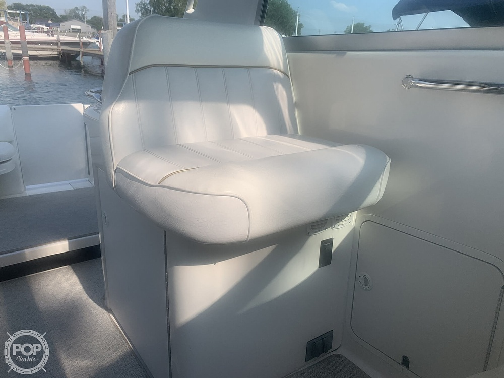 1999 Sea Ray boat for sale, model of the boat is 330 Sundancer & Image # 38 of 41
