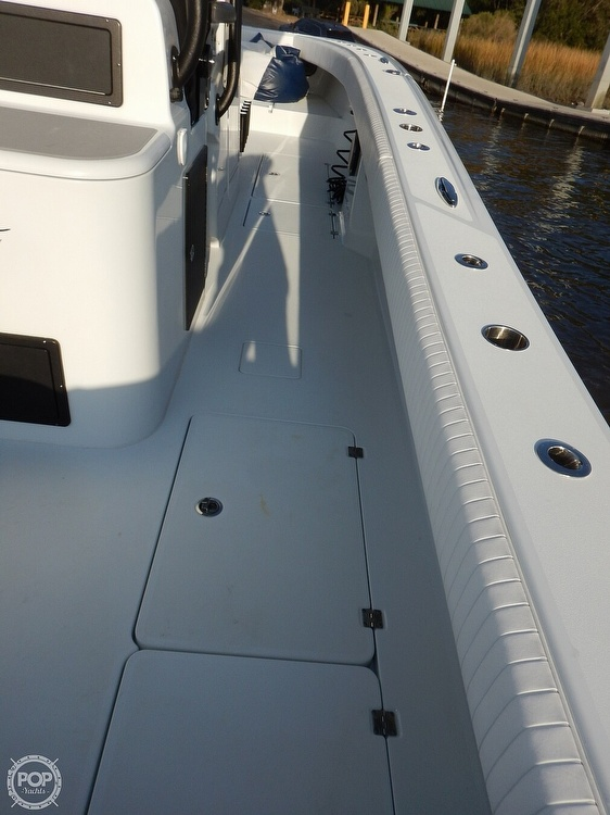 2016 Freeman boat for sale, model of the boat is 34VH & Image # 8 of 31
