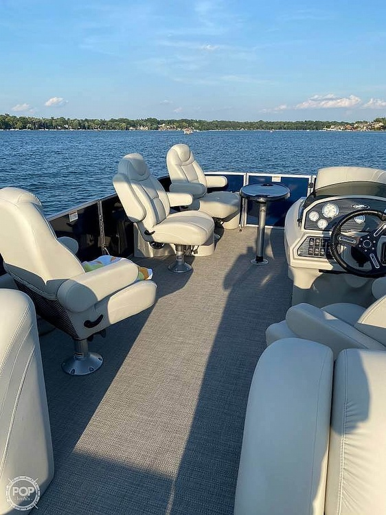 2017 Starcraft boat for sale, model of the boat is CX 23 RP & Image # 4 of 8