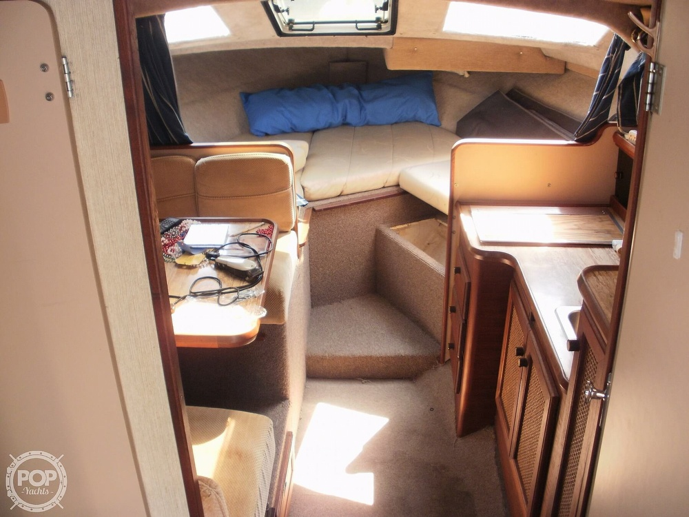 1986 Bayliner boat for sale, model of the boat is 2850 Contessa & Image # 9 of 15