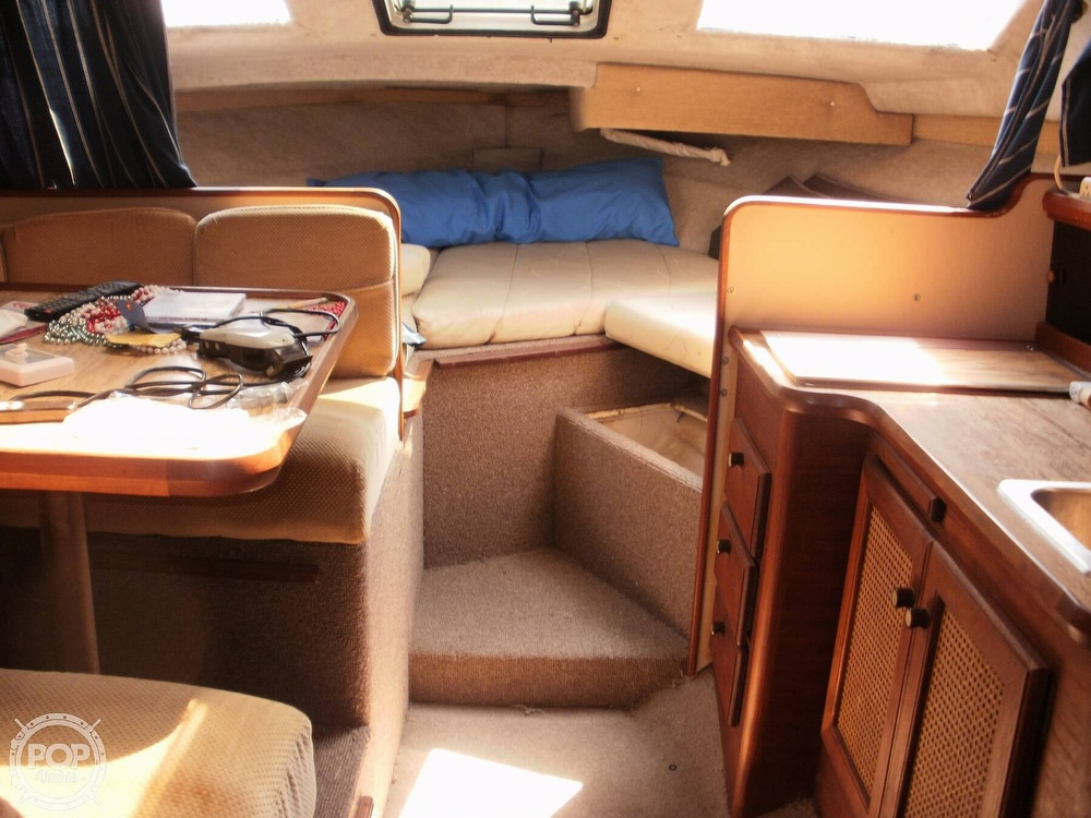 1986 Bayliner boat for sale, model of the boat is 2850 Contessa & Image # 12 of 15