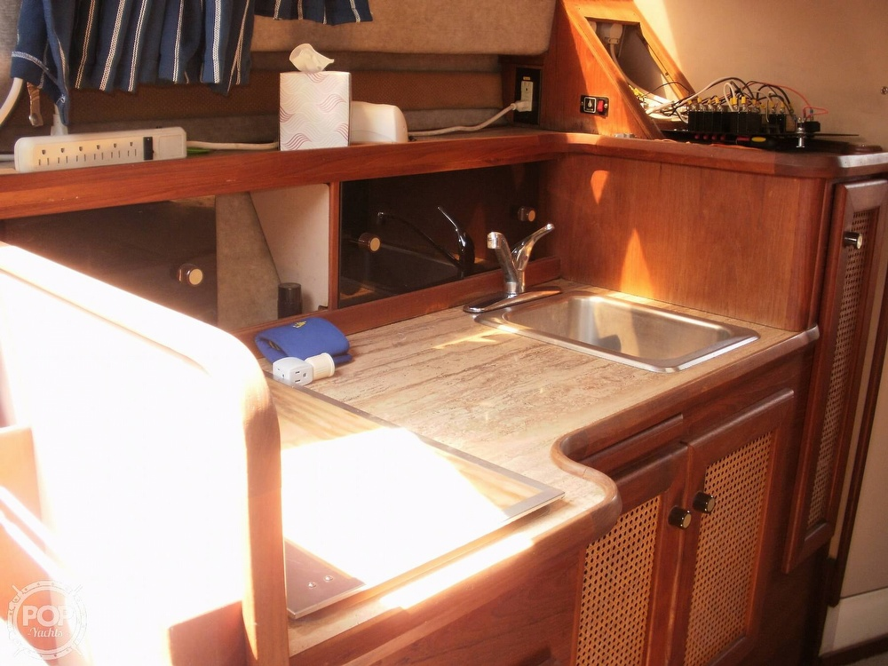 1986 Bayliner boat for sale, model of the boat is 2850 Contessa & Image # 13 of 15