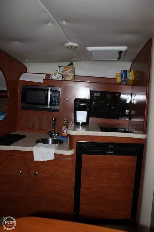 2008 Rinker 320 - image 3