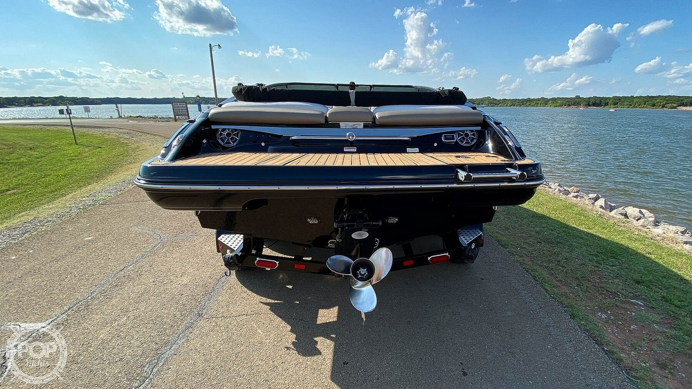 2014 Crownline boat for sale, model of the boat is 215 SS & Image # 4 of 40