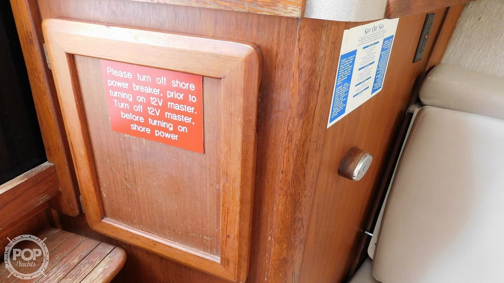 1997 Luhrs boat for sale, model of the boat is Open Tournament 29 & Image # 15 of 40