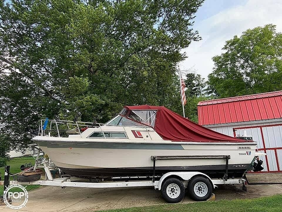 1987 Wellcraft boat for sale, model of the boat is 250 Coastal & Image # 2 of 40