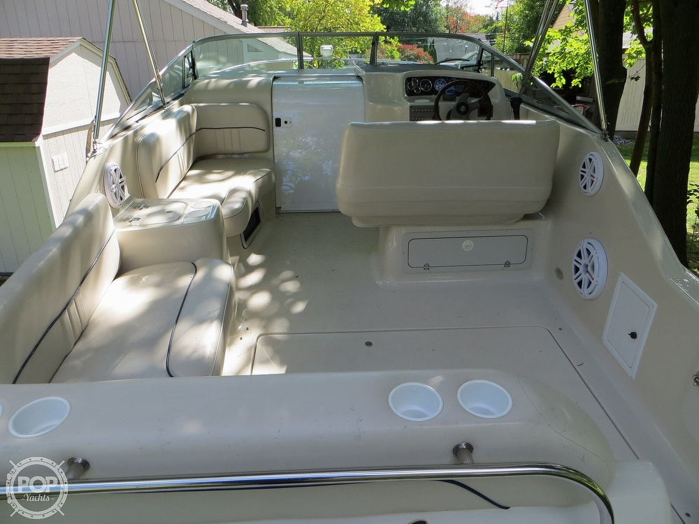 2001 Crownline boat for sale, model of the boat is 262CR & Image # 3 of 40