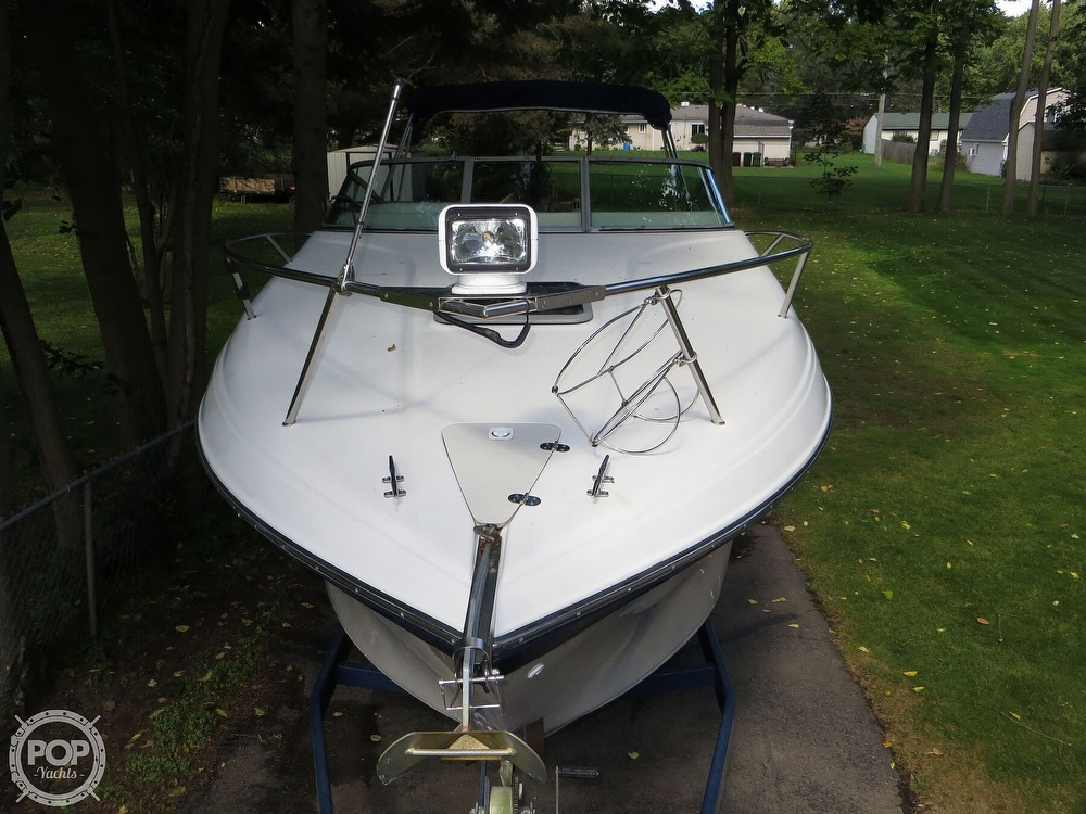 2001 Crownline boat for sale, model of the boat is 262CR & Image # 14 of 40