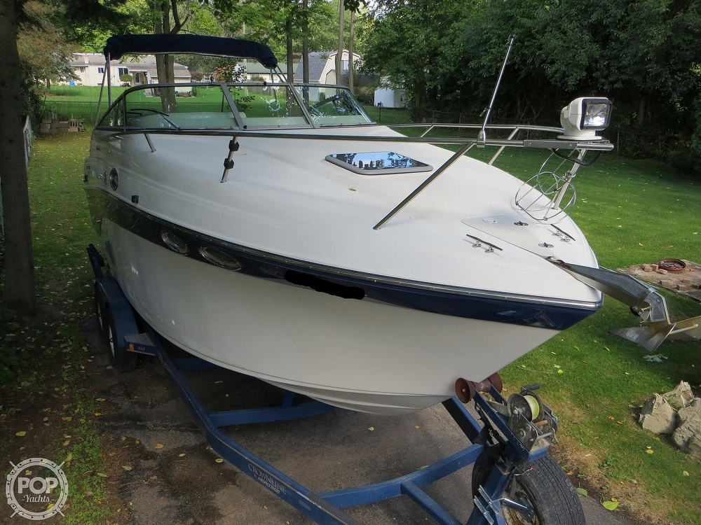 2001 Crownline boat for sale, model of the boat is 262CR & Image # 15 of 40
