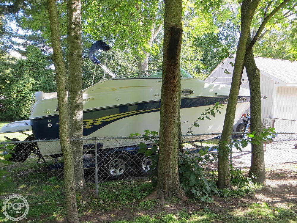 2001 Crownline boat for sale, model of the boat is 262CR & Image # 20 of 40