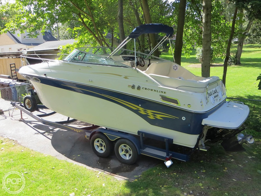 2001 Crownline boat for sale, model of the boat is 262CR & Image # 21 of 40