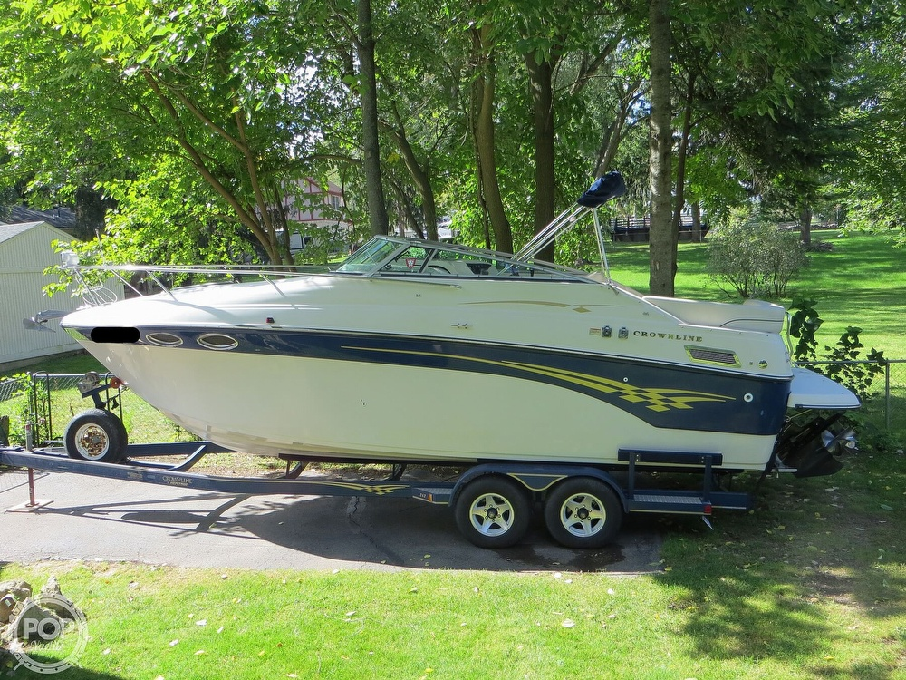 2001 Crownline boat for sale, model of the boat is 262CR & Image # 22 of 40