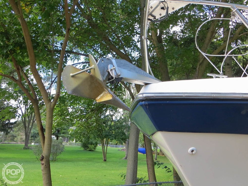 2001 Crownline boat for sale, model of the boat is 262CR & Image # 27 of 40