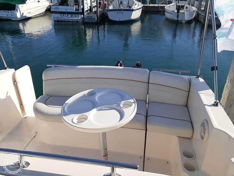 2005 Rinker boat for sale, model of the boat is 270 Fiesta Vee & Image # 7 of 17