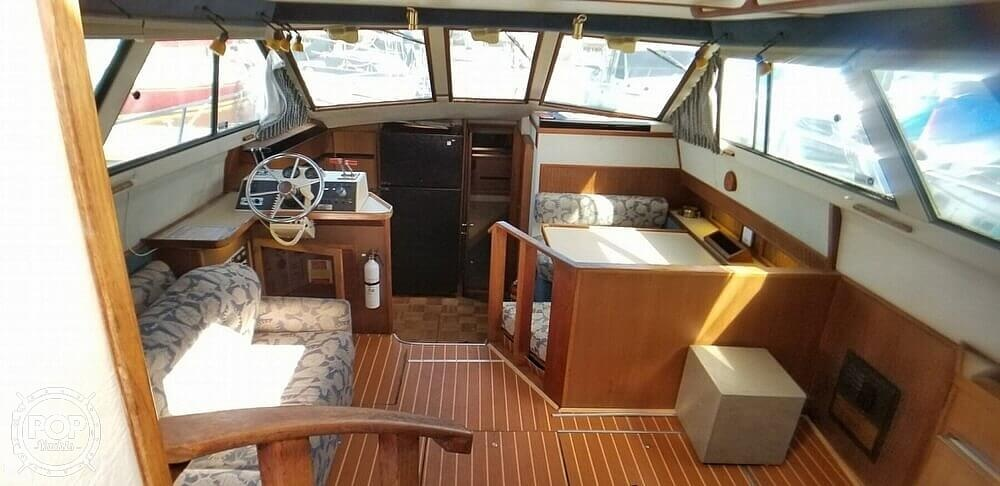 1986 Sea Ray boat for sale, model of the boat is 410 Aft Cabin & Image # 28 of 41