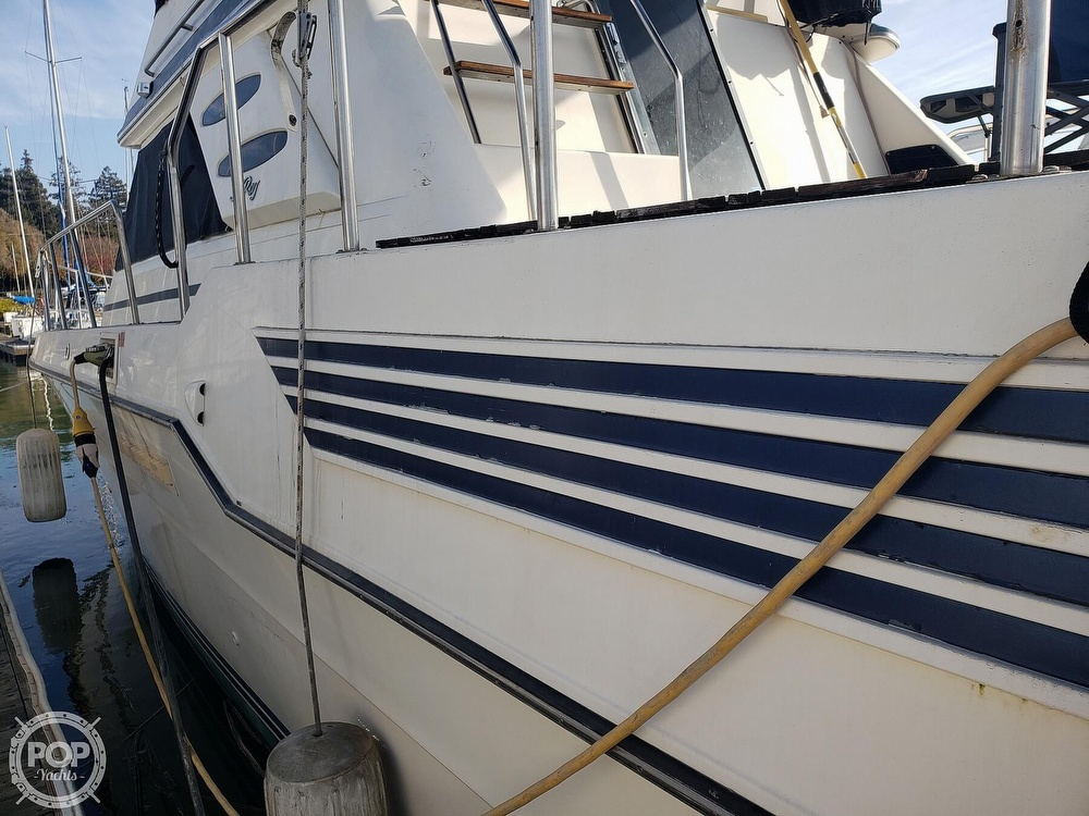1986 Sea Ray boat for sale, model of the boat is 410 Aft Cabin & Image # 16 of 40