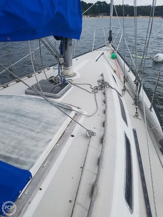 1979 Catalina Yachts boat for sale, model of the boat is 38 & Image # 4 of 40