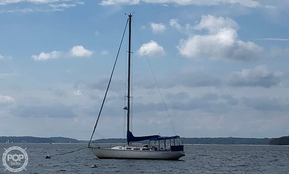 1979 Catalina Yachts boat for sale, model of the boat is 38 & Image # 3 of 40