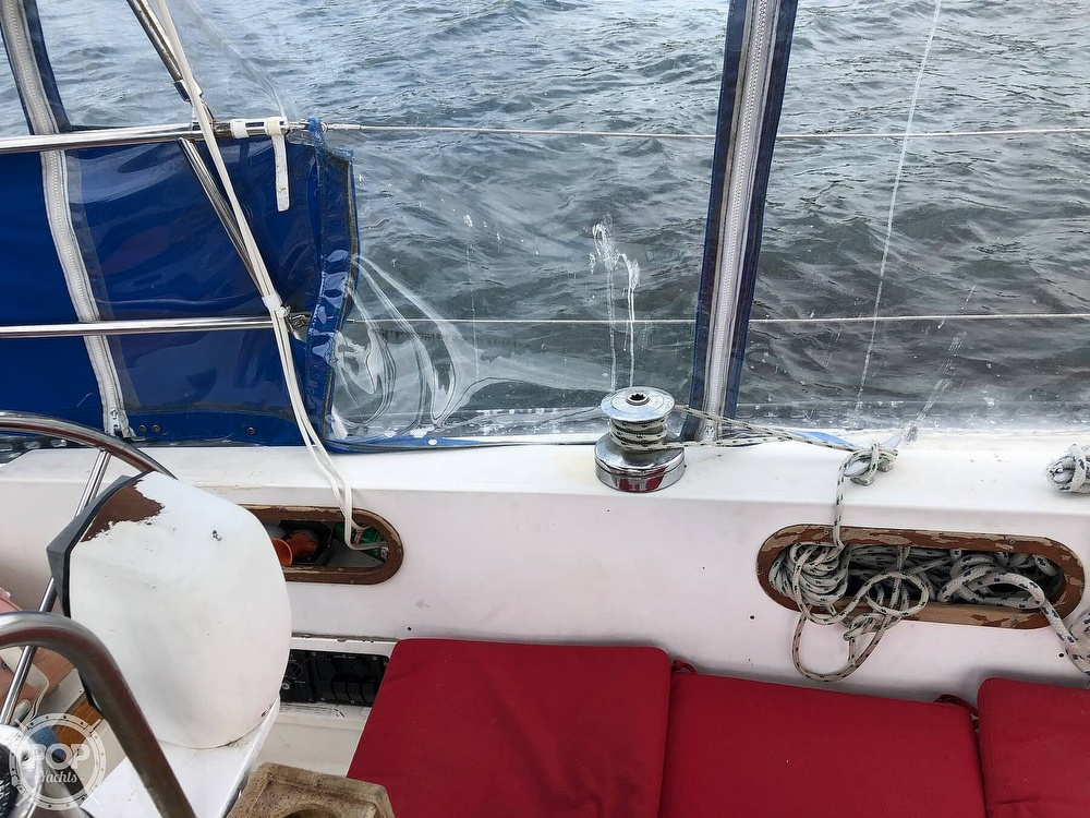 1979 Catalina Yachts boat for sale, model of the boat is 38 & Image # 32 of 40