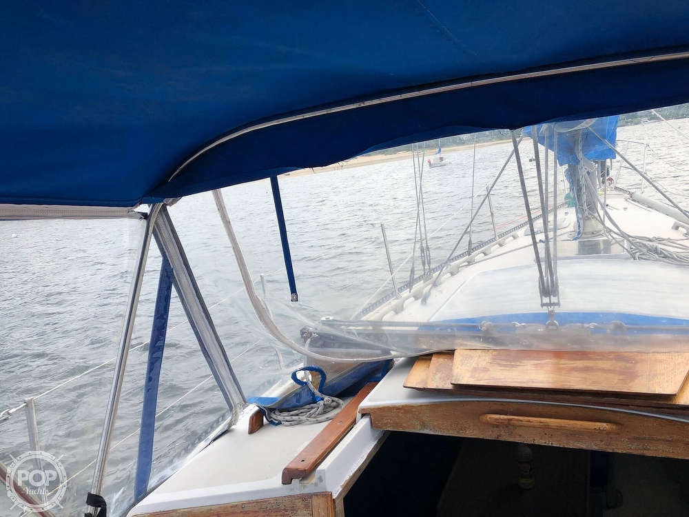 1979 Catalina Yachts boat for sale, model of the boat is 38 & Image # 29 of 40