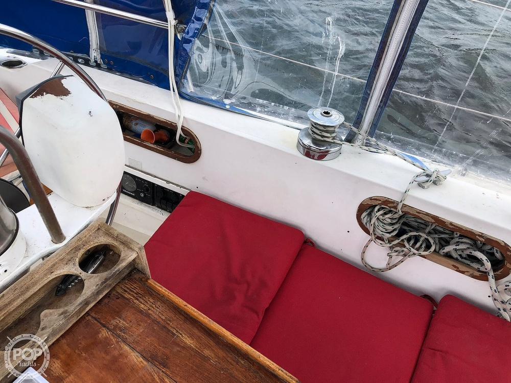 1979 Catalina Yachts boat for sale, model of the boat is 38 & Image # 28 of 40