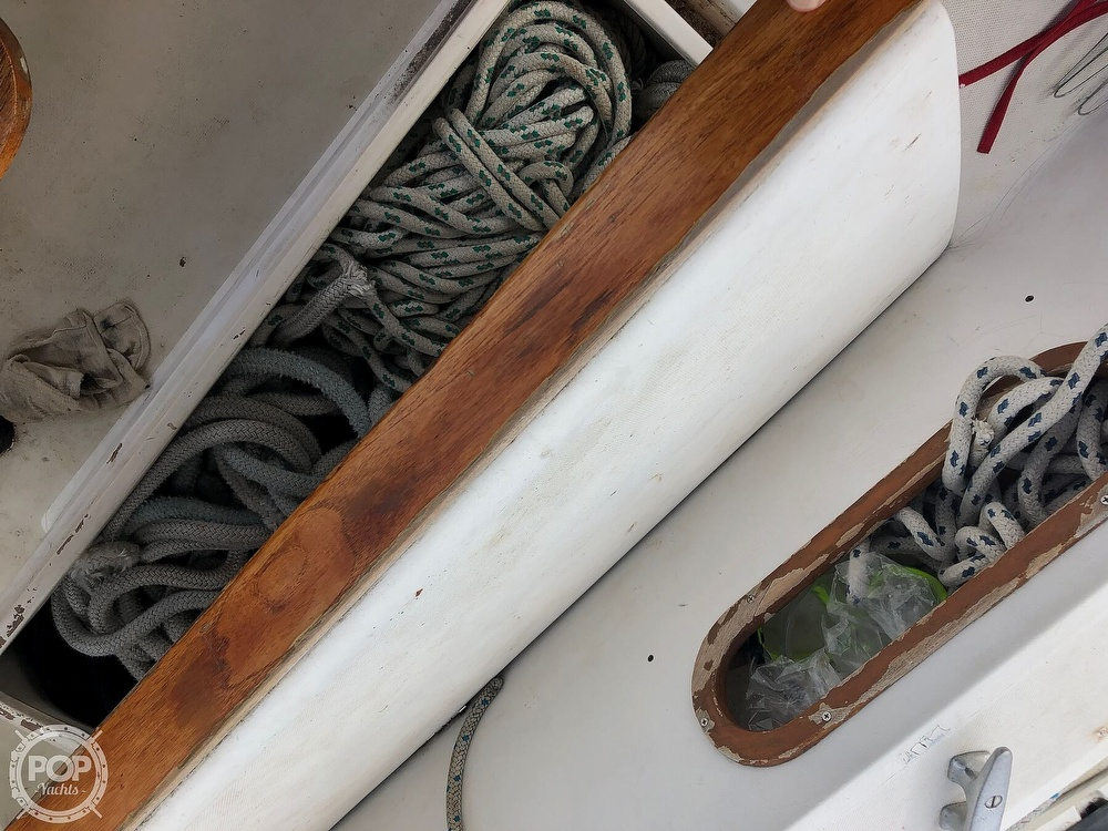 1979 Catalina Yachts boat for sale, model of the boat is 38 & Image # 26 of 40