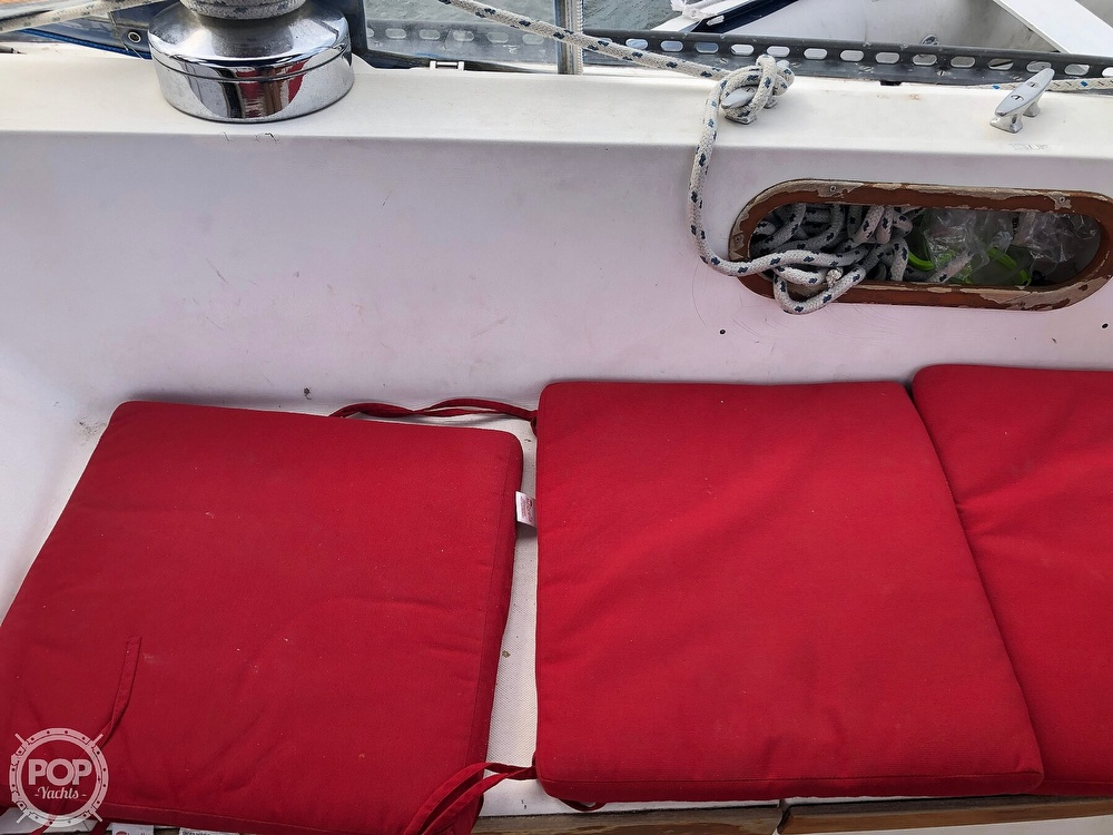 1979 Catalina Yachts boat for sale, model of the boat is 38 & Image # 24 of 40
