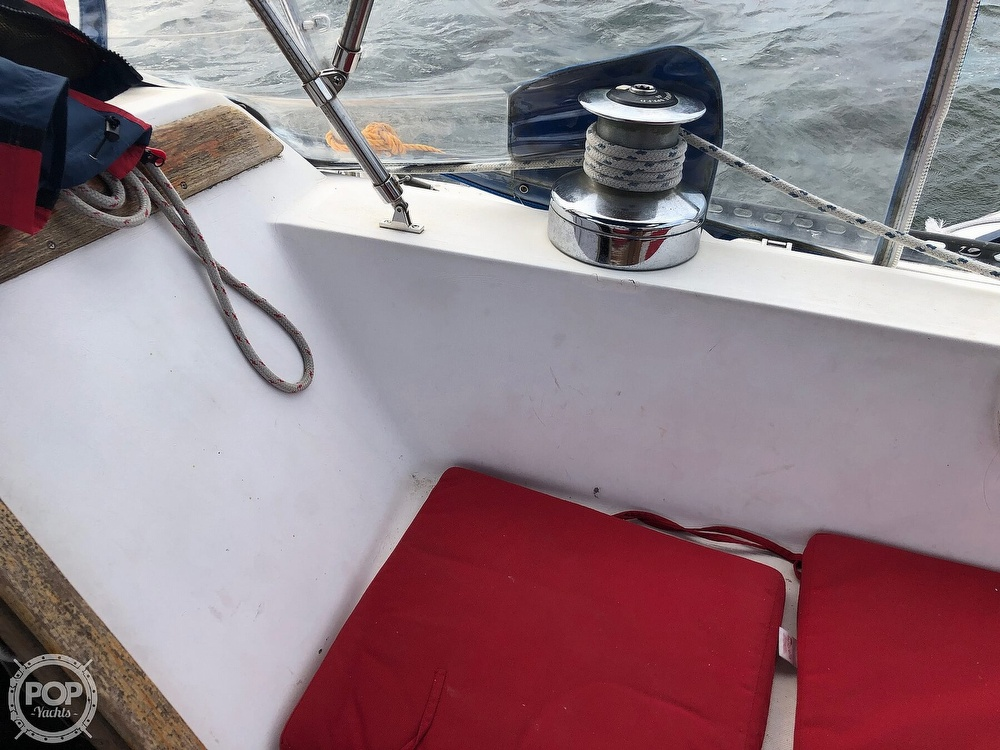 1979 Catalina Yachts boat for sale, model of the boat is 38 & Image # 23 of 40