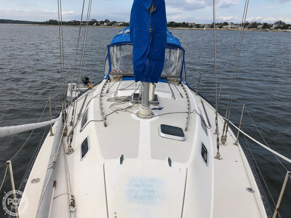 1979 Catalina Yachts boat for sale, model of the boat is 38 & Image # 18 of 40