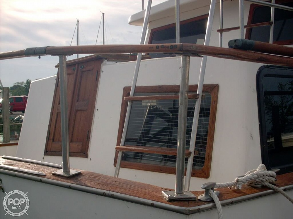 1982 Marine Trader boat for sale, model of the boat is 34 Double Cabin & Image # 7 of 20