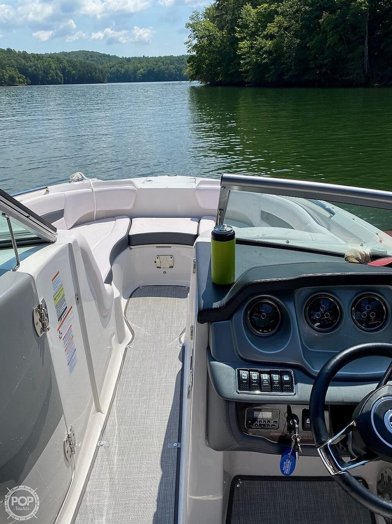 2019 Chaparral boat for sale, model of the boat is Sunesta 244 & Image # 10 of 40