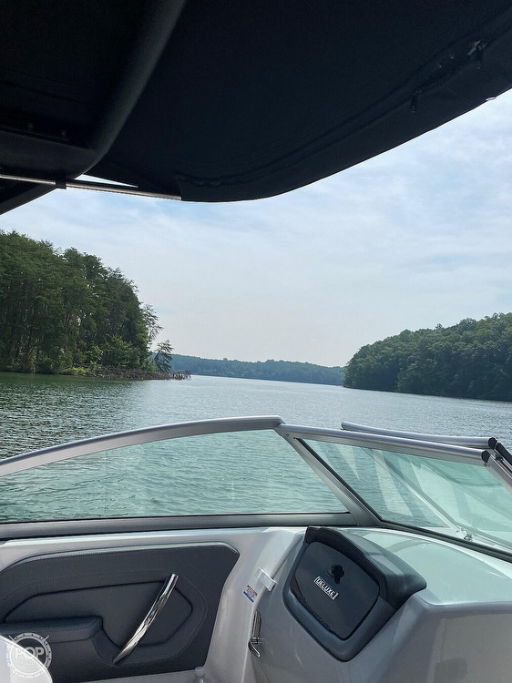 2019 Chaparral boat for sale, model of the boat is Sunesta 244 & Image # 11 of 40