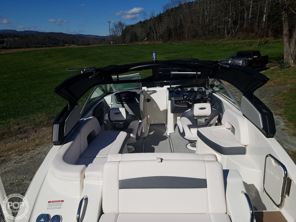 2019 Chaparral boat for sale, model of the boat is Sunesta 244 & Image # 4 of 40