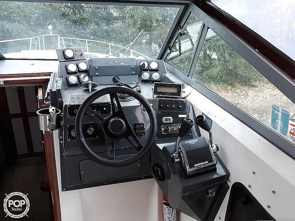 1988 Cruisers Yachts boat for sale, model of the boat is Rogue 2860 & Image # 7 of 19
