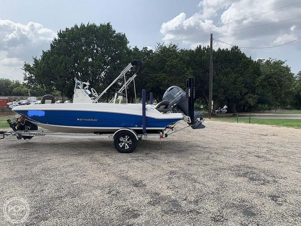 2018 Stingray boat for sale, model of the boat is 186 CC & Image # 7 of 40