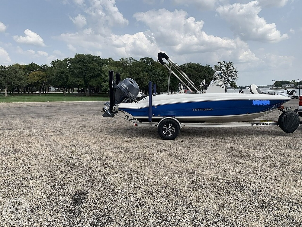2018 Stingray boat for sale, model of the boat is 186 CC & Image # 8 of 40