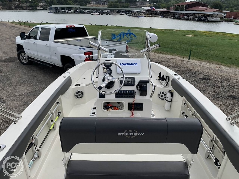 2018 Stingray boat for sale, model of the boat is 186 CC & Image # 3 of 40