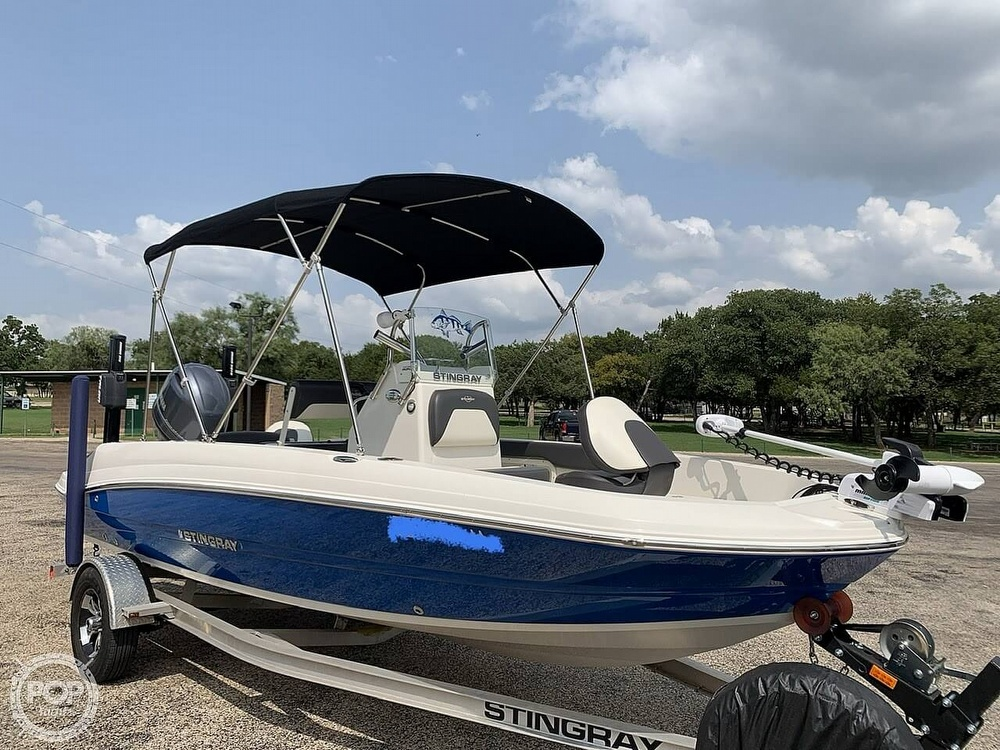 2018 Stingray boat for sale, model of the boat is 186 CC & Image # 5 of 40