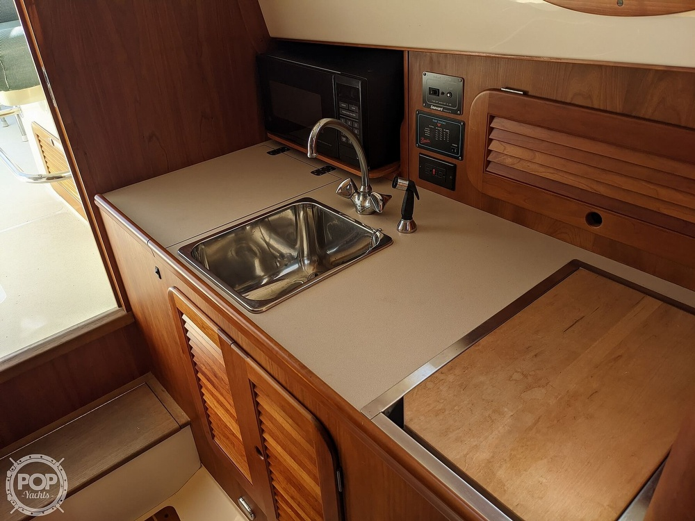 1999 Hinckley boat for sale, model of the boat is 36 Picnic & Image # 23 of 40
