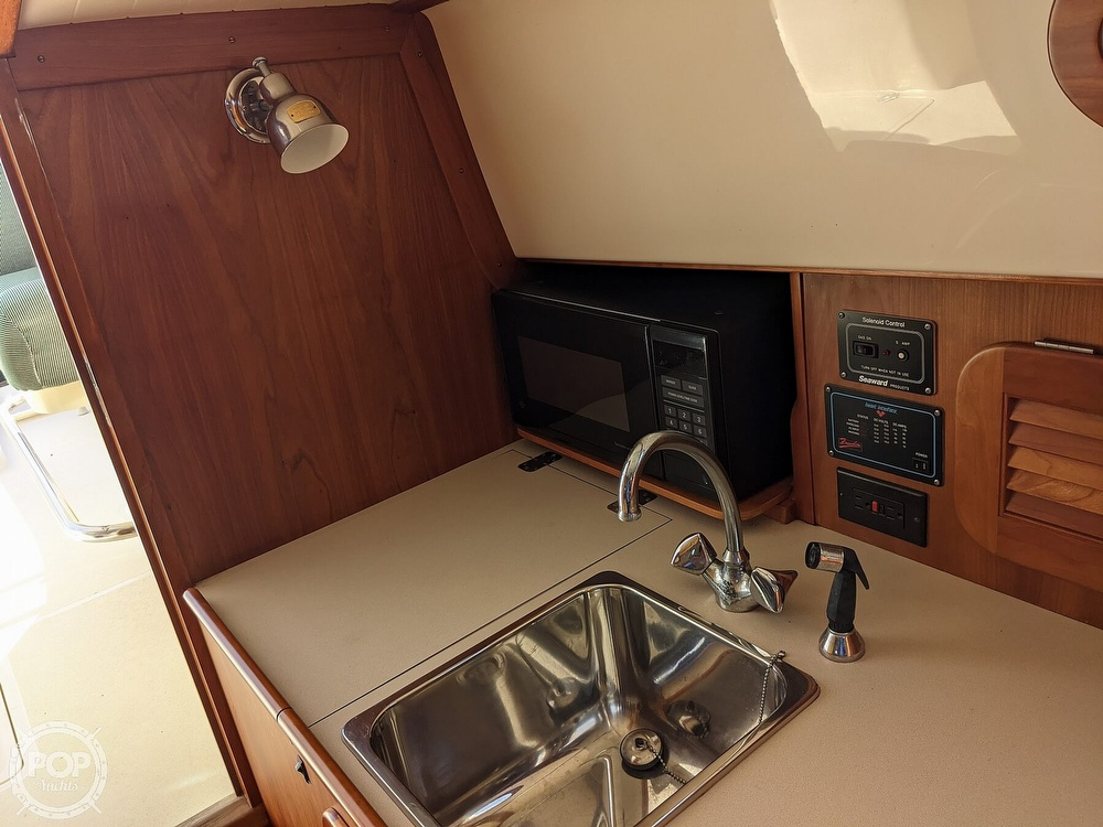 1999 Hinckley boat for sale, model of the boat is 36 Picnic & Image # 27 of 40