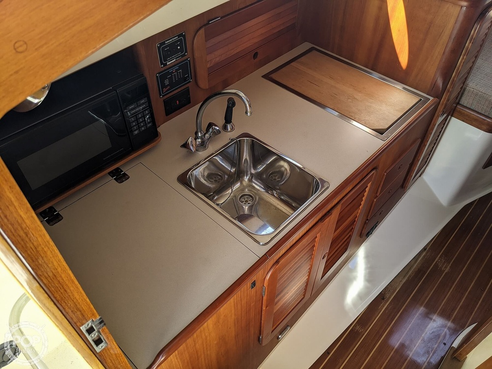1999 Hinckley boat for sale, model of the boat is 36 Picnic & Image # 34 of 40